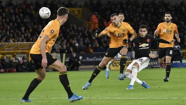 MU ditahan imbang Wolverhampton tanpa gol.