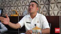 Sekretaris Dinas Pendidikan Riau, Ahyu Suhendra mengaku kekurangan dana jika pembangunan sekolah harus ditanggung semua oleh APBD