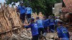 Melihat Pembangunan Turap Sementara di Jakarta Selatan