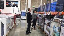 Zuckerberg dan Istri Kepergok Belanja di Toko Diskon