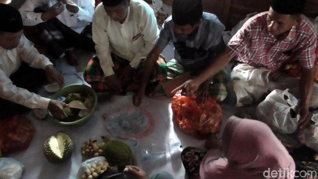 Mengenal Tradisi Syukuran Sambut Musim Panen Buah di Sulawesi