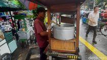 Warga Larang Jualan di Trotoar Kramat-Salemba, PKL: Harus Ada Toleransi