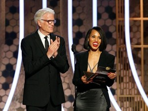 Busana Berisiko Kerry Washington di Golden Globes, Pakai Blazer Tanpa Bra
