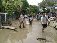 Pembersihan Lumpur Sisa Banjir Villa Nusa Indah Diprediksi Tuntas 2 Pekan
