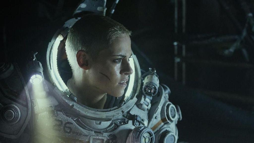 Kristen Stewart Ubah Potongan dan Warnai Rambut untuk Underwater