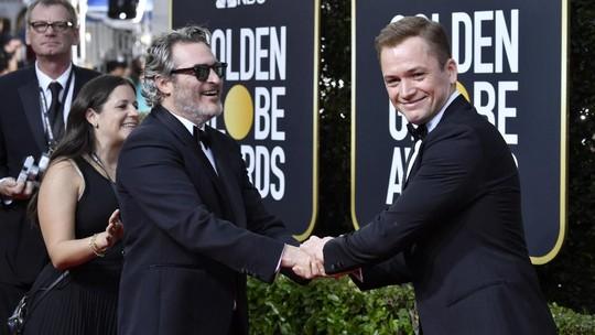 Tingkah Usil dan Lucu Joaquin Phoenix di Golden Globe 2020