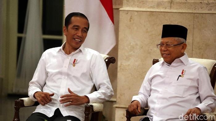Presiden Joko Widodo (Jokowi)membuka SIdang Kabinet Paripurna (SKP) perdana di Tahun 2020, yang berlangsung di Istana Negara, Jakarta, Senin (6/1/2020).