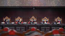 Pertimbangan Hakim Tolak Uji Formil UU KPK, Ada Dissenting Opinion