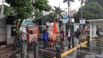 PKL di Trotoar Kramat: Ditolak Warga, Difasilitasi Pemkot