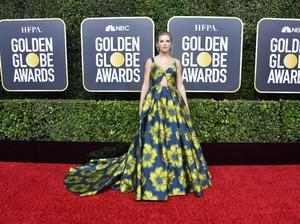 Pose Para Selebriti di Red Carpet Golden Globe Awards 2020