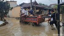 Tolong Bu Ade Yasin, Warga Vila Nusa Indah Butuh Air untuk Siram Lumpur