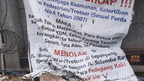 Pemkot Jakpus Sebut Anies Sudah Setuju PKL Dagang di Trotoar Jl Kramat