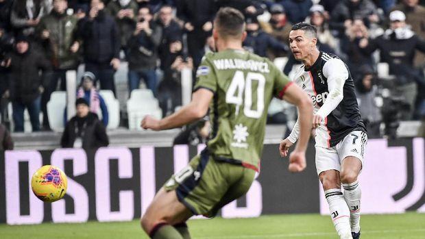 Cristiano Ronaldo mencetak hattrick pertama di Liga Italia.