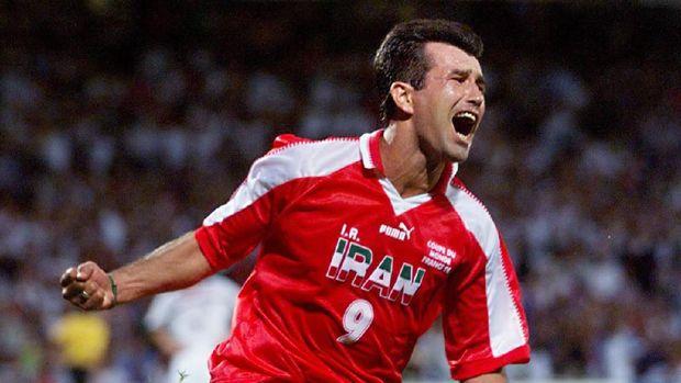 Hamid Estili mencetak gol pertama untuk Iran ke gawang AS.