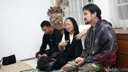 Dewi Irawan Bingung Ria Irawan Ngoyo Jalan-jalan ke Bali