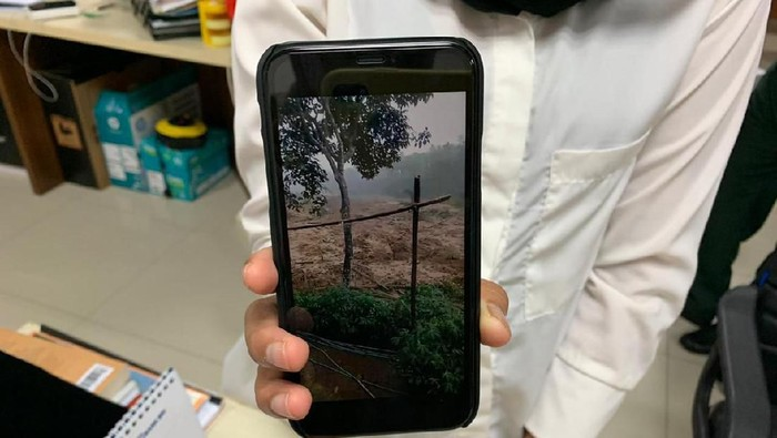 Tangkapan layar video viral yang menyebut ada bencana lumpur di Bogor. (Dok akun Twitter BNPB)
