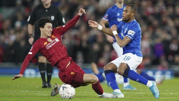 Catatan Aksi Debut Minamino di Laga Liverpool vs Everton