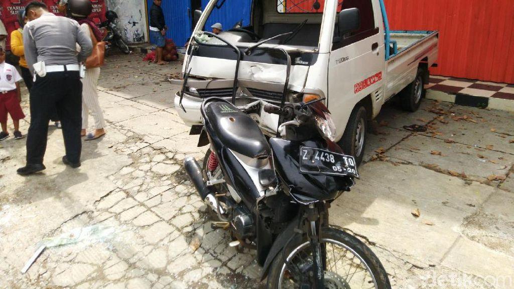Mobil Pikap Tabrak Motor di Ciamis, Ibu dan Bayinya Terseret 10 Meter