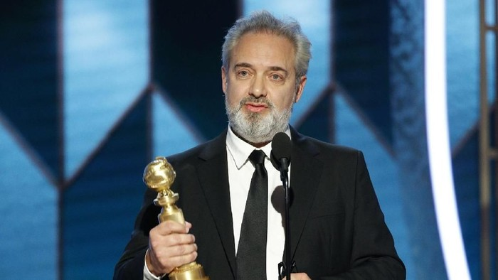 BEVERLY HILLS, CALIFORNIA - JANUARY 05: In this handout photo provided by NBCUniversal Media, LLC,  Sam Mendes accepts the award for BEST DIRECTOR - MOTION PICTURE for 1917 onstage during the 77th Annual Golden Globe Awards at The Beverly Hilton Hotel on January 5, 2020 in Beverly Hills, California. (Photo by Paul Drinkwater/NBCUniversal Media, LLC via Getty Images)