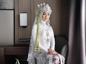 15 Inspirasi Model Kebaya Pengantin Hijab Modern yang Elegan