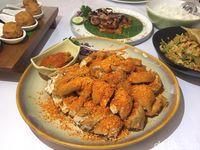 Plataran Senayan: Menikmati Ayam 'Hutan Kota' di Resto Asri Kawasan GBK