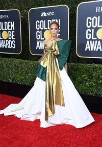 Berpita Besar, Gaun Jennifer Lopez di Golden Globes Jadi Candaan Netizen