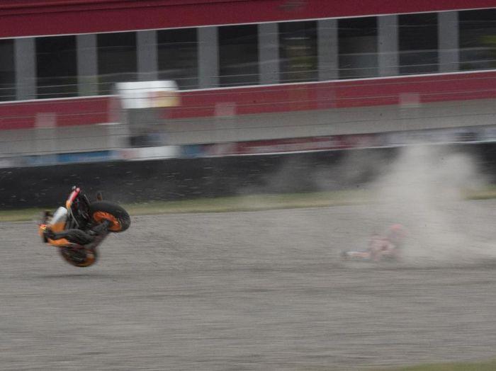 Marc Marquez mengalami kecelakaan di MotoGP Argentina (Mirco Lazzari gp/Getty Images)