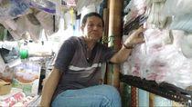 Unek-unek Pedagang Kantong Plastik Pasar Minggu Usai Pergub Larangan Terbit
