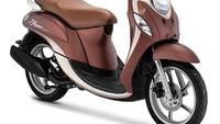 Sebagai yang pertama Yamaha menghadirkan paduan warna baru pada Yamaha Fino Grande dan Yamaha Fino Premium. Untuk Yamaha Fino Premium terdapat 3 (tiga) varian warna, yaitu Brown, White, dan Black yang sekaligus menjadi Hero Bike. Sedangkan untuk Yamaha Fino Grande, terdapat 2 (dua) varian warna yaitu Blue dan Red. Pilihan perpaduan warna tersebut berdasarkan cerminan lifestyle masa kini.Foto: Dok. Yamaha