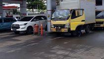 Pertamina Bersih-bersih 5 SPBU yang Terdampak Banjir