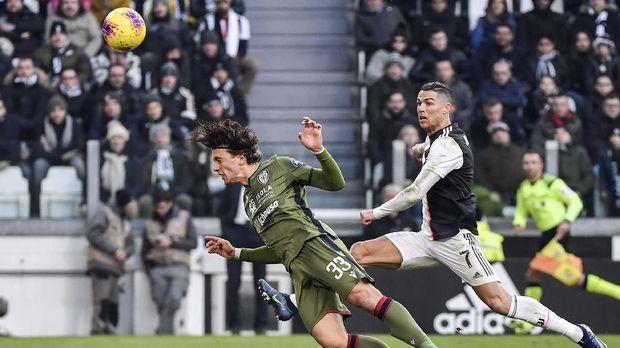 Cristiano Ronaldo berhasil mencetak hattrick ke gawang Cagliari.