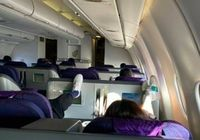 Niat Santai di Pesawat, Aktris Ini Malah Dikritik