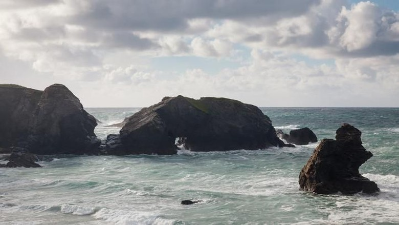 Rough seas overlooking Porthcothan Bay near Newquay  Cornwall England UK Europe