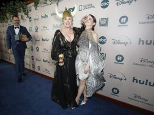 Ups, Jidat Joey King Benjol Terjedot Piala Golden Globes Patricia Arquette