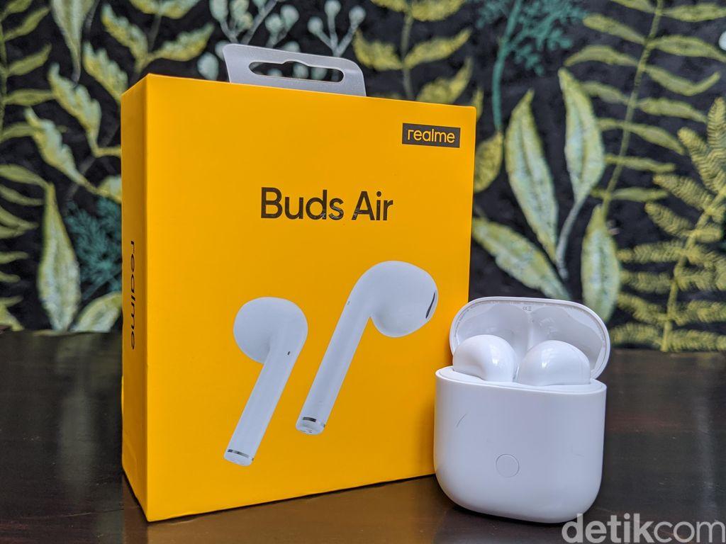 Inilah Realme Buds Air. Foto: Adi Fida Rahman/detikINET