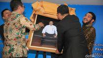 Ini Kenang-kenangan Anwar Usman untuk Palguna
