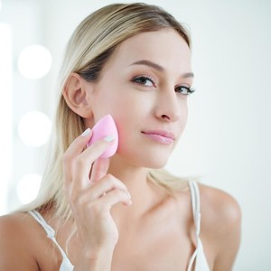 Unik, Beauty Blender Hadirkan Spons Makeup Bisa Berubah Warna