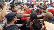 Warga Lereng Kelud Demo Tuntut Kejelasan untuk Garap Lahan Perhutani
