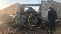 Jatuh di Iran, Mesin Pesawat Boeing 737 Terbakar Usai Lepas Landas