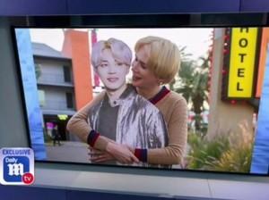 Terobsesi Jimin BTS, Pria Ini Nikahi Boneka Kertasnya di Las Vegas