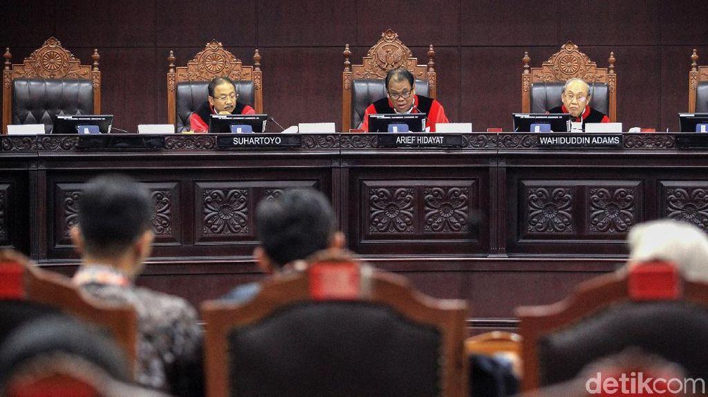 MK Gelar Sidang Lanjutan Gugatan Revisi UU KPK