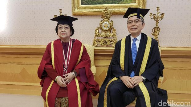Megawati Terima Gelar Dr HC Ke-9 Bidang Kemanusiaan,