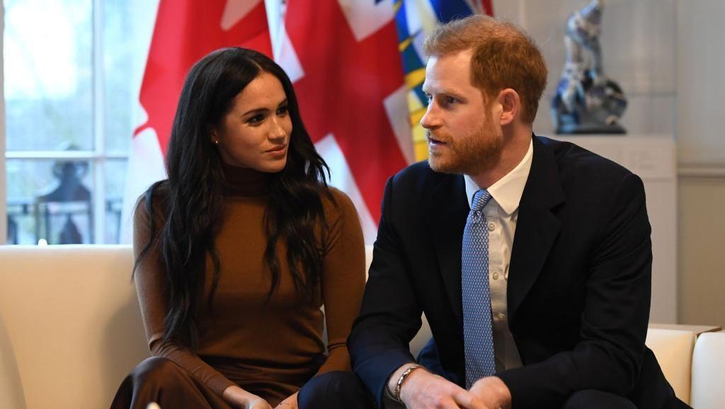 Kejutan! Meghan Markle dan Pangeran Harry Dibela di Twitter