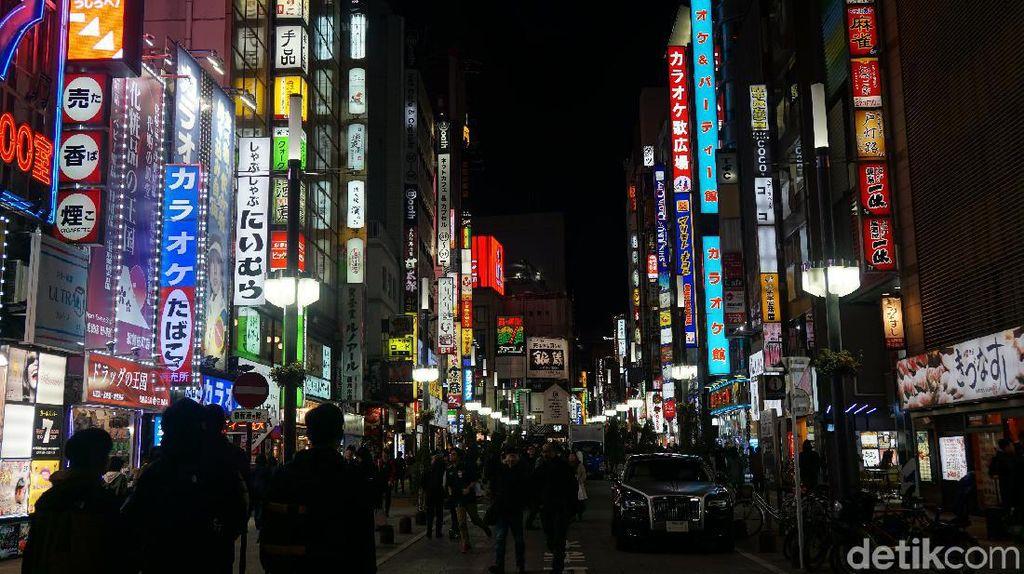 Kelab Malam Tokyo Kembali Buka, Semua Staf Diminta Tes Corona