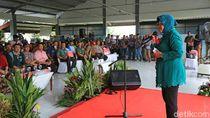 Saat Risma Rayu Nelayan Surabaya Agar Tak Melaut Ketika Cuaca Buruk