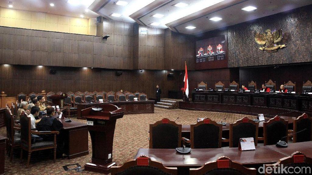Sidang UU KPK Baru: Presiden Jokowi Belum Siap Berikan Keterangan, DPR Absen