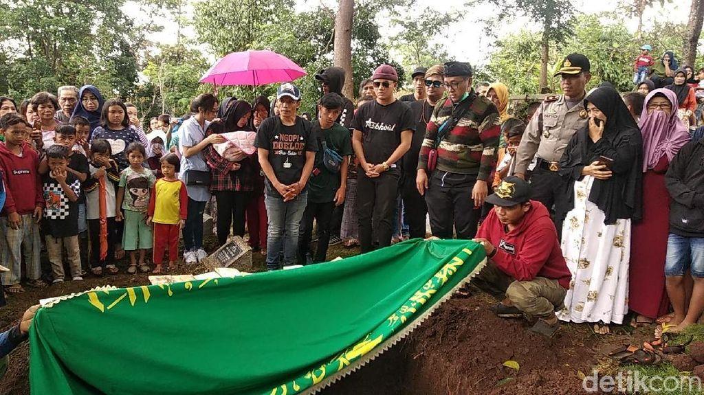 Makam Lina Eks Sule Dibongkar, Sebenarnya Apa Sih Autopsi Itu?