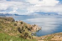 Danau Titicaca begitu disakralkan oleh Suku Inca yang menempati kawasan Pegununga Andes. Raja pertama mereka, Manco Capac konon lahir di sana. Dalam mitologi Inca, danau tersebut jadi tempat lahirnya matahari, bintang dan manusia ketika Dewa Viracocha keluar dari dalamnya. (iStock)