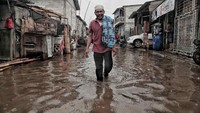 Cuaca ekstrem juga mengancam kawasan pesisir Jakarta Utara. Ancaman Rob terus menghantui warga. Pradita Utama/detikcom.