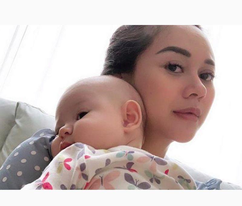 Beberapa waktu lalu Aura Kasih dan putri cantiknya liburan ke Bandung. (aurakasih/Instagram)
